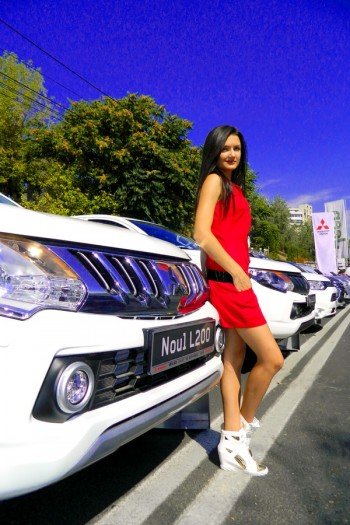 Petronela R Hostess Auto