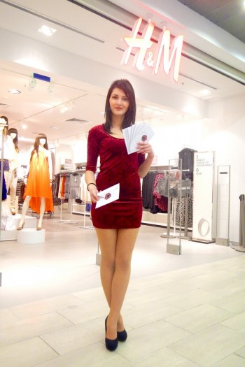 Elena I hostess galati shopping city